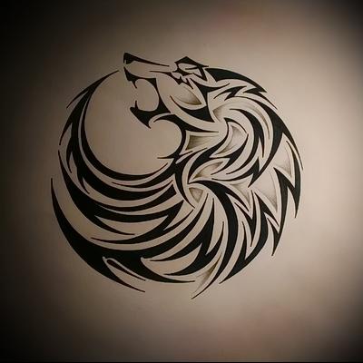 трайбл тату эскиз воющего волка