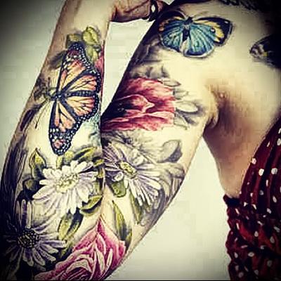 бабочки на руке тату