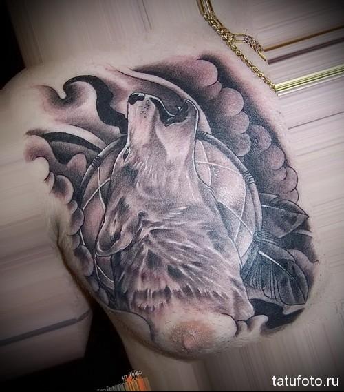 воющий волк тату 2