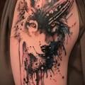 тату волка на плече 1