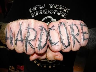 тату надписи на пальцах 3