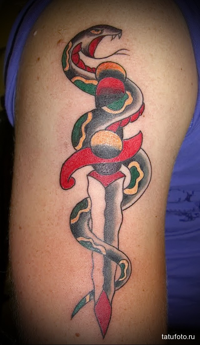 тату меч и змея 4