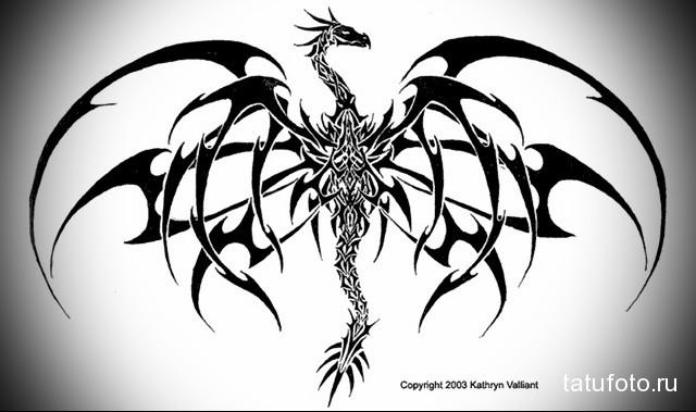 эскиз дракон на бедре тату 2