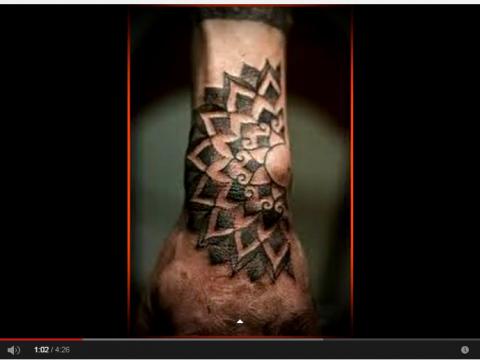 видео татуировки на запястье для мужчины