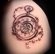 Значение татуировки часы 4