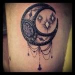 Значение тату луна 1
