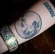 Значение тату луна 3