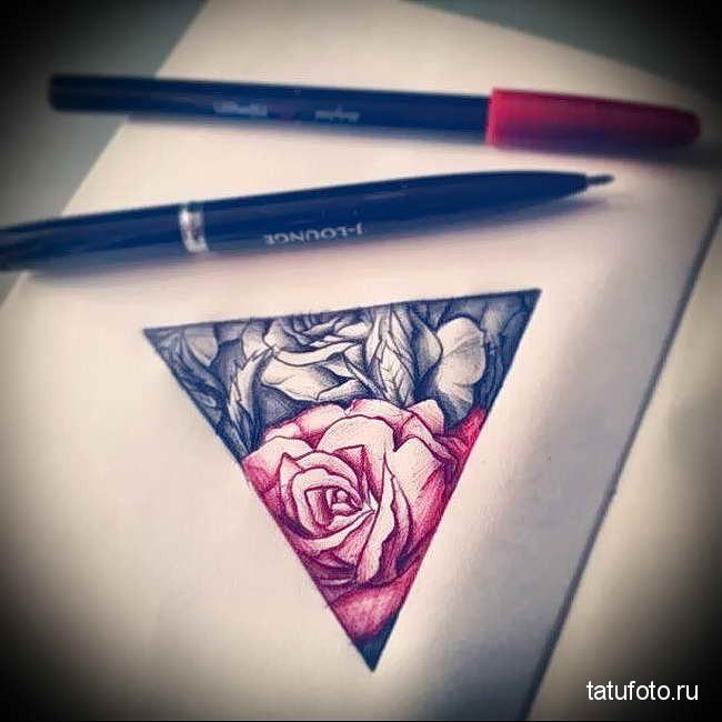 Значение тату розы и треугольников