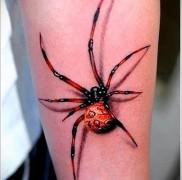 крутая татуировка с пауком