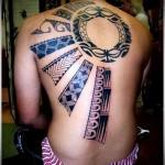 татуировка солнце на половинц спины - узоры ацтеков