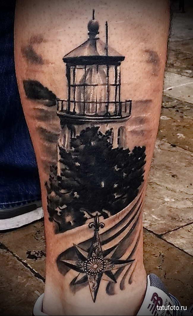 тату маяк вниз на ногу