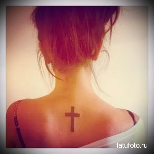 на шее фото татуировка крестик