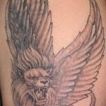 тату лев фото - вариант с крыльями
