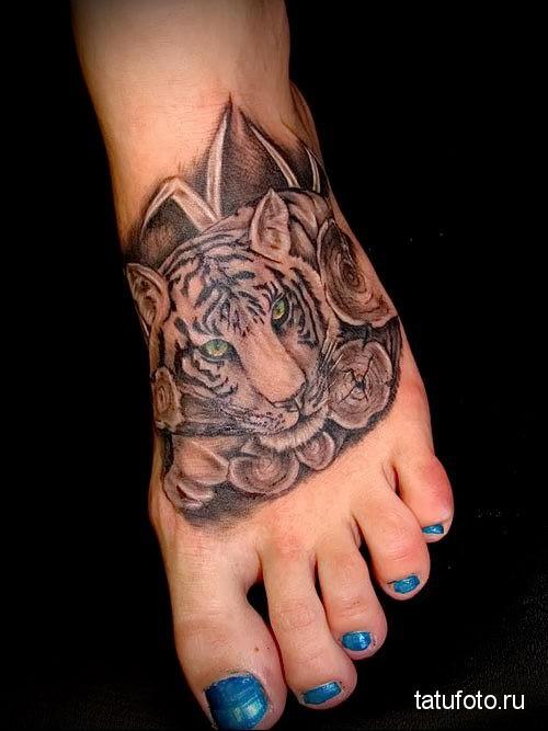 тату тигр на ноге возле пальцев (стопа)