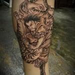 тату тигр на ноге - сражение с самураем