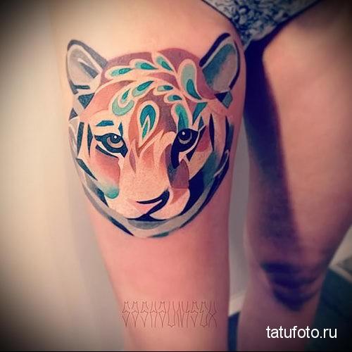 тигрица на ноге - тату акварель фото