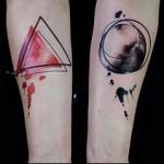 треугольник и круг - тату акварель фото