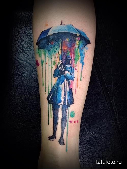 человек под зонтом - тату акварель фото