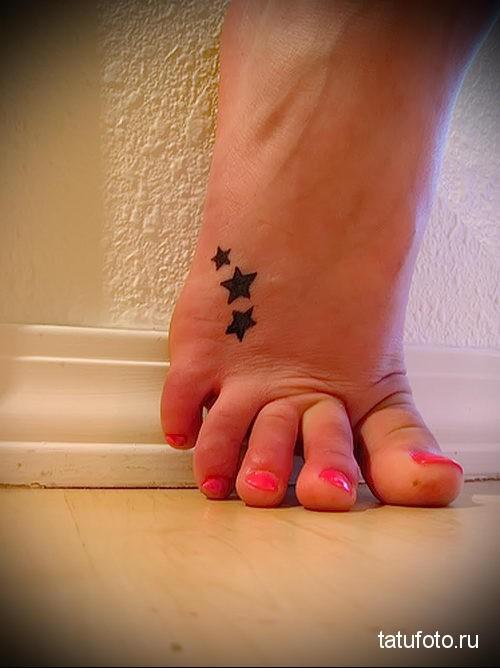 маленькие тату для девушек на ноге 4