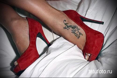маленькие тату для девушек на ноге 5