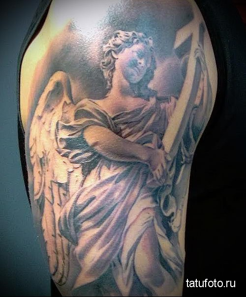 тату ангела на плече мужские 3