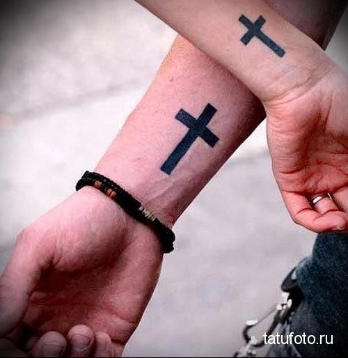 тату крест на запястье 1