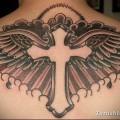 тату крест на спине фото 1