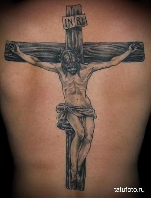 тату крест на спине 3