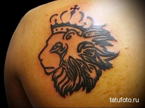 тату лев с короной на лопатке - контур