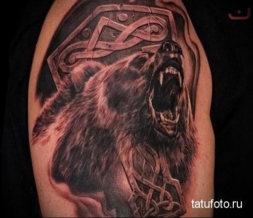 тату медведя с рунами 1