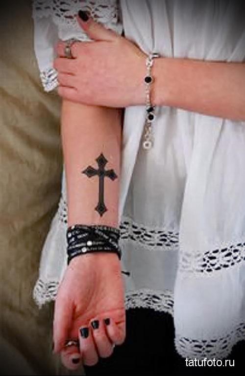 тату черный крест 2