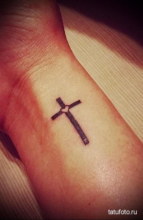 тату черный крест 3