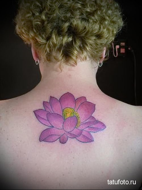 lotus tattoo on her back 2