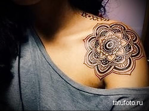 mandala collarbone tattoo 2