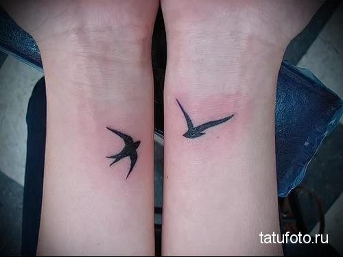 small tattoo swallows 2