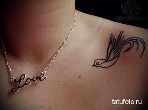 swallow tattoo on her collarbone 2