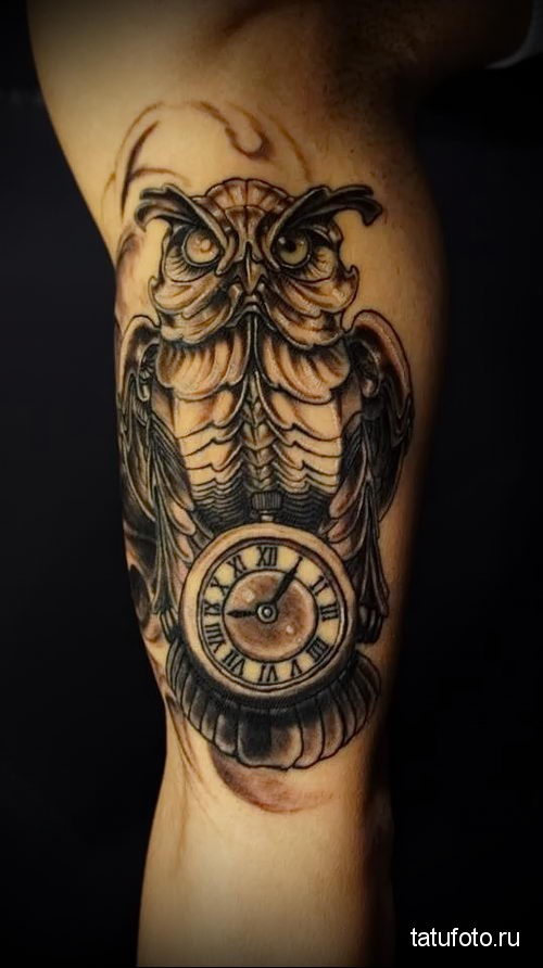 tattoo Owl Clock 2