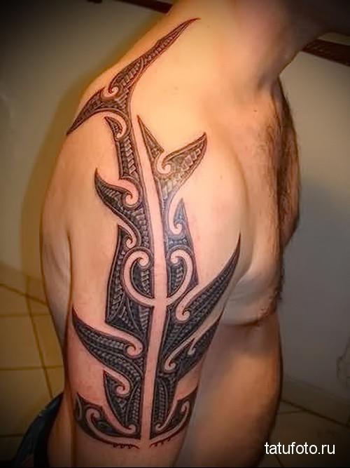 shark tattoo on his shoulder 3