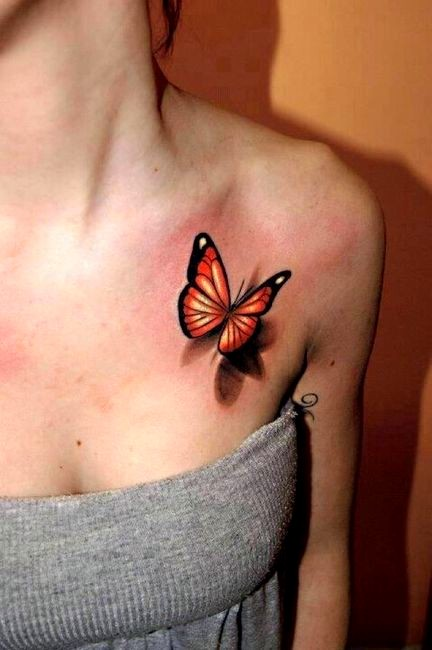 реалистичная бабочка в тату для девушки на ключицу