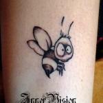 фото с татуировкой пчела -1