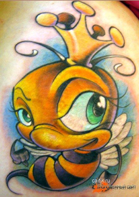 фото с татуировкой пчела -5