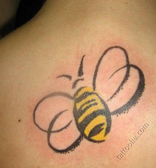 фото с татуировкой пчела -2