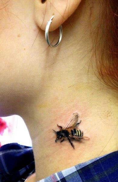 фото с татуировкой пчела -3
