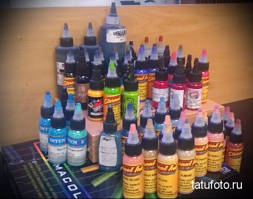 Pigments and dyes for tattooing 12412312412123