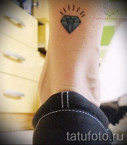 тату алмаз на ноге 6 фото