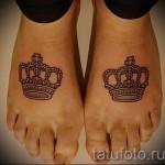 тату корона для девушек - два рисунка внизу каждой ноги