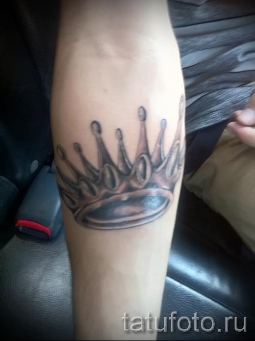 тату корона на руке - для мужчины