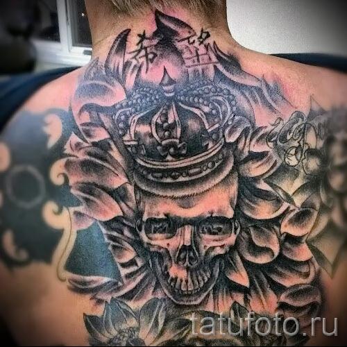 тату череп с короной - большой вариант на всю спину