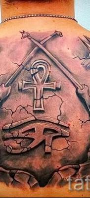 Древняя татуировка с египетскими богами