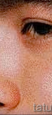Тату слеза под глазом – пример на фото –  12